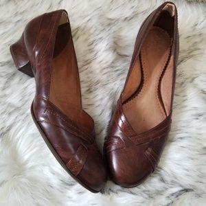 Clark's Artisan Leather Kitten Heel Size 11